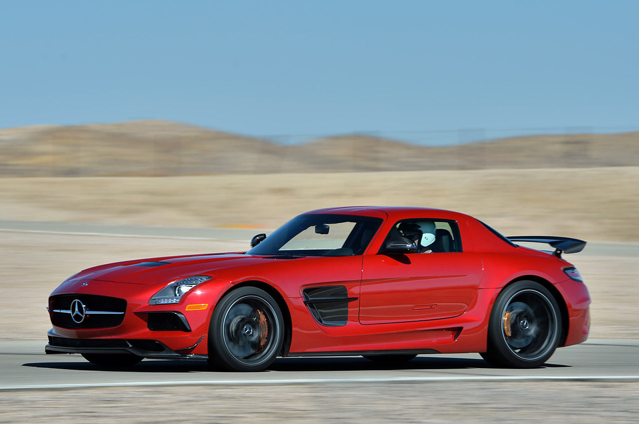 Mercedes benz 2014 sls amg black series every tech for Mercedes benz series